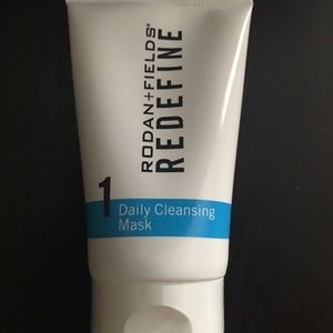 Rodan and Field Redefine daily cleansing mask.